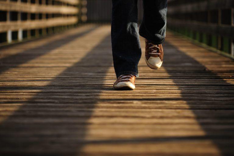 Går på bro